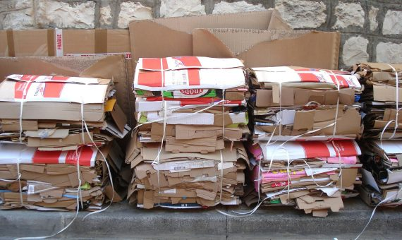cartons-269793_1920